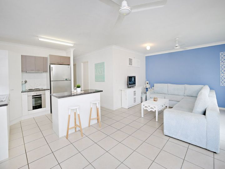 17 Huntley Place, Caloundra West, QLD