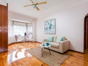 Gorgeous Unit in Single-Storey group - Henley Beach