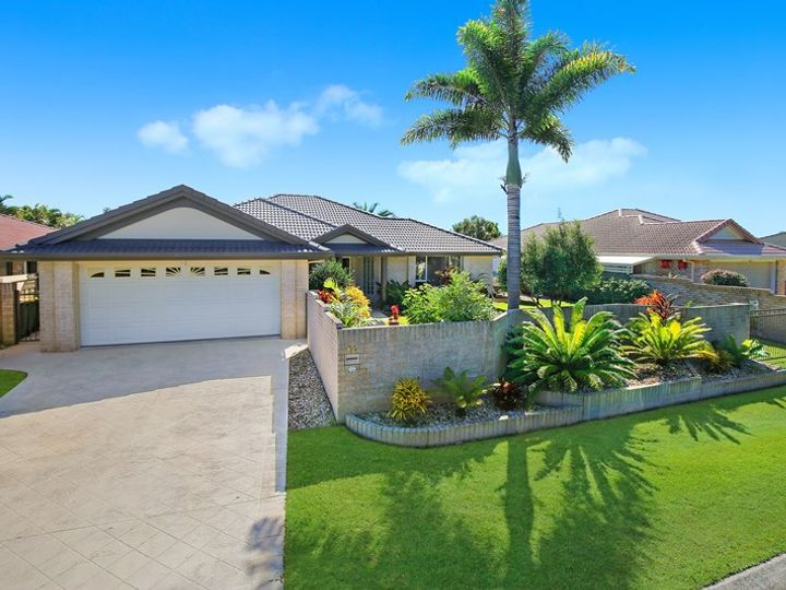 17 Bongaree Drive, Pelican Waters, QLD