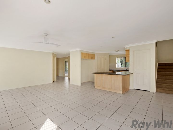 8 Greenway Place, Deception Bay, QLD