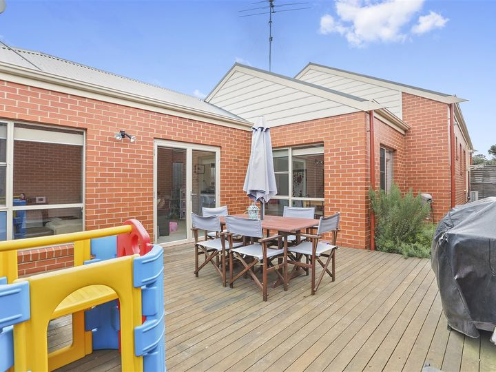 12 McKeown Lane, Belmont, VIC