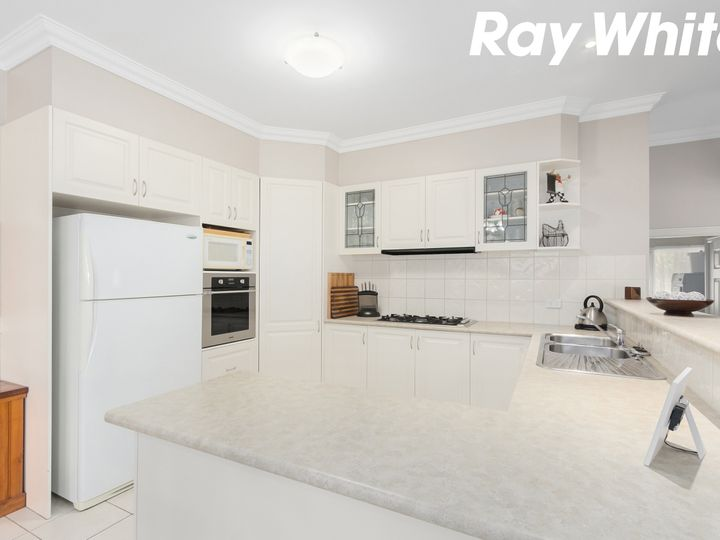 11 Banks Road, Pakenham, VIC