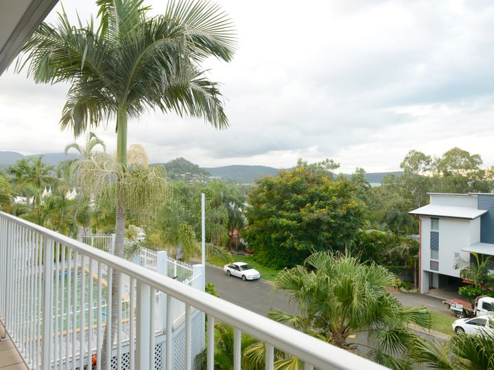24/12 Eshelby Drive, Cannonvale, QLD