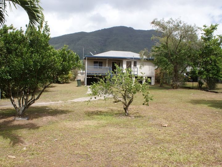 2 Murray Street, Tully, QLD