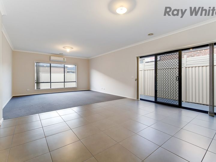 26 Broadway, Caroline Springs, VIC
