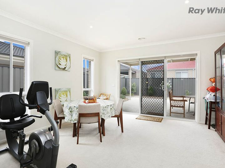 33 Bliss Street, Point Cook, VIC