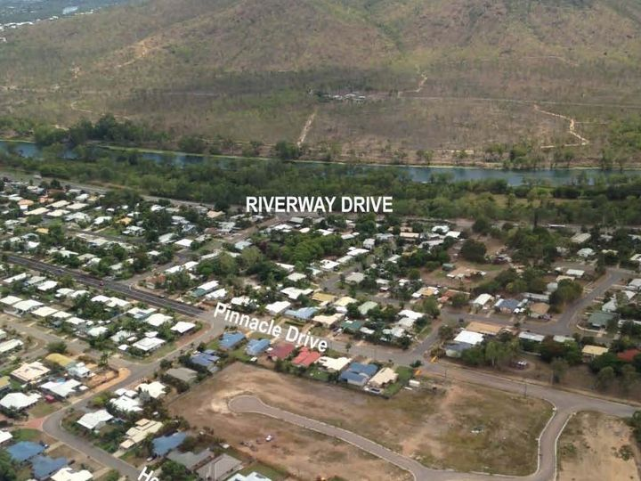 253 Pinnacle Drive, Rasmussen, QLD