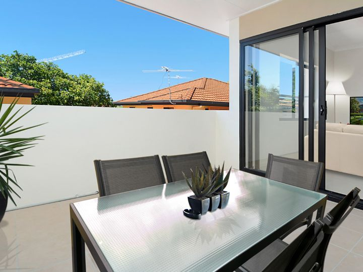 2 / 9 Greenbank Street, Chermside, QLD