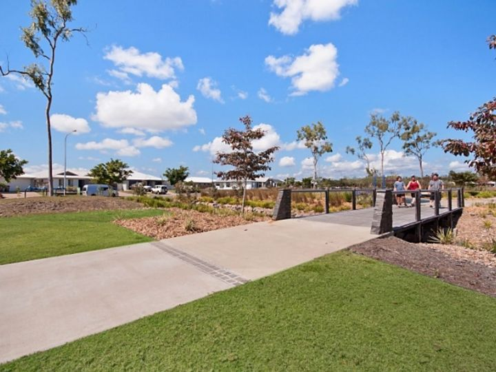 19 Speargrass Parade, Mount Low, QLD