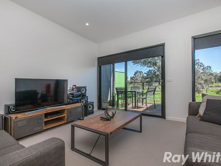 15 Albany Road, Mill Park, VIC