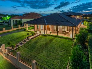 990sqm WITH A LARGE ,STATELY RESIDENCE - Bridgeman Downs