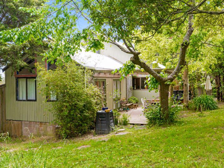 41 Whakarite Road, Ostend, Waiheke Island