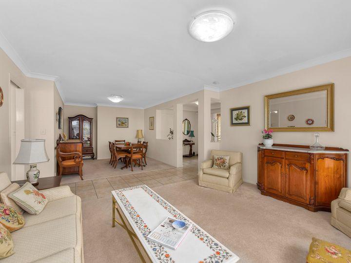 16 Capella Place, Bridgeman Downs, QLD