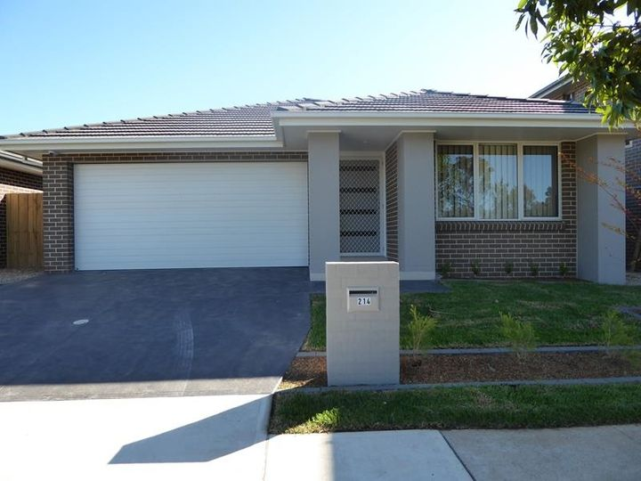 214 South Circuit, Oran Park, NSW