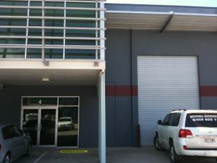LOW RENT, PERFECT SIZE FOR SMALL BUSINESS, 175 M2 OFFICE & WAREHOUSE - Paget