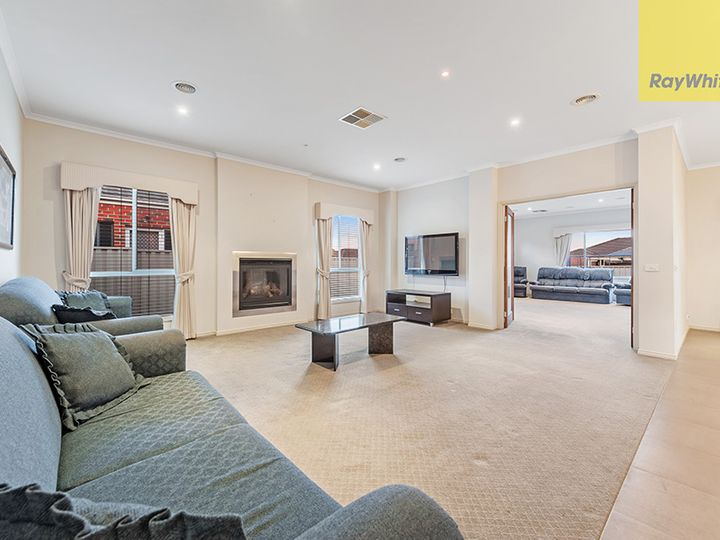 2 St Cloud Green, Craigieburn, VIC