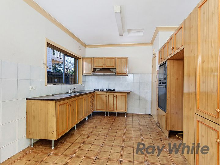 14 Brown Street, Avondale Heights, VIC