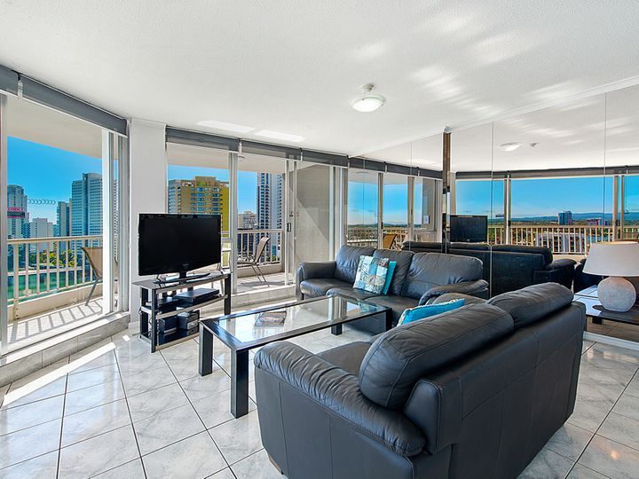 63/63 Cavill Avenue, Surfers Paradise, QLD