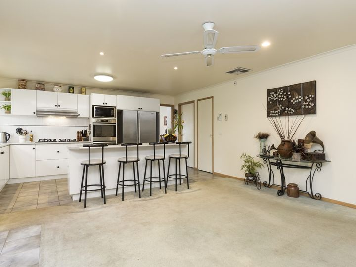 4 Jillard Walk, Hoppers Crossing, VIC