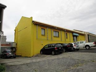 277sqm*  AFFORDABLE WOOLLOONGABBA OFFICE WITH GREAT PARKING - Woolloongabba