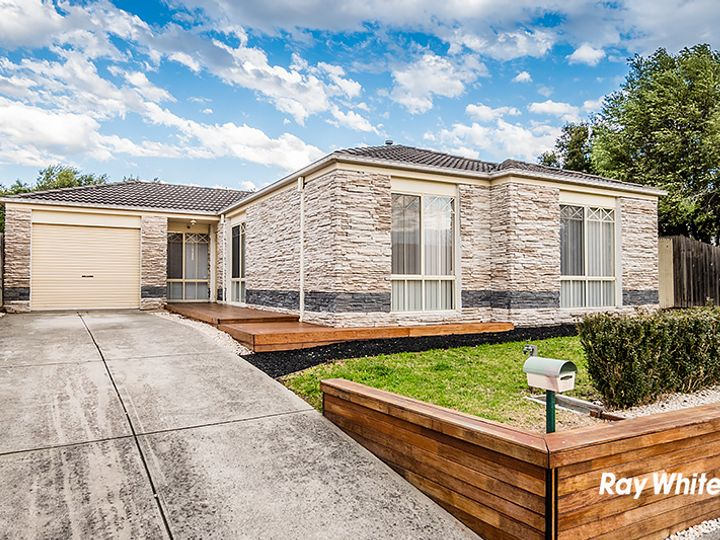 6 Edgewood Close, Narre Warren South, VIC