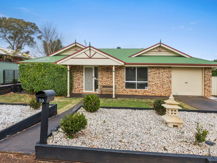 10 Saratoga Close, Wilsonton, QLD