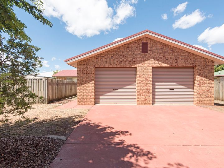 12 Pixie Drive, Kearneys Spring, QLD