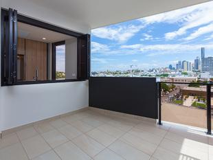 Expansive Apartment With Stunning City Views and 2 Car Parks - Newstead