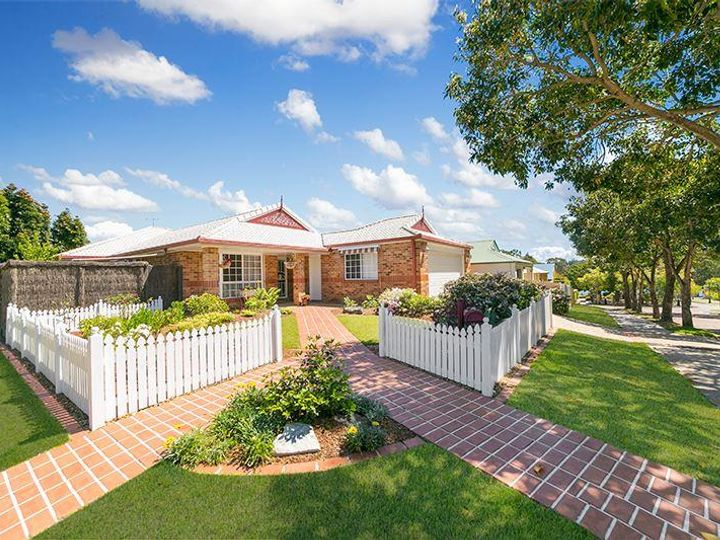 19 Jetty Walk, Forest Lake, QLD