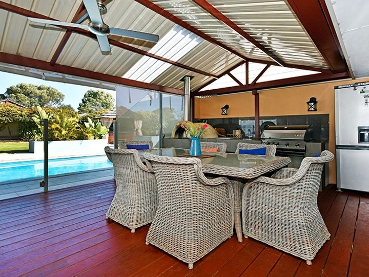 2 Brentwood Way, The Vines, WA