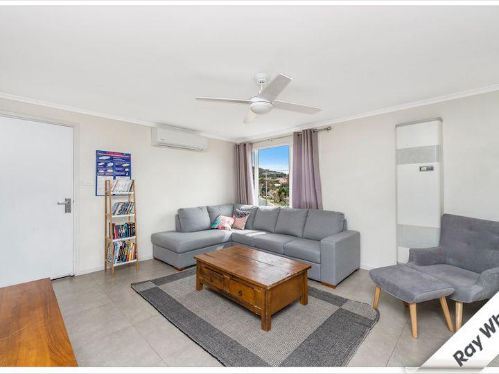 14 Banksia Crescent, Karabar, NSW