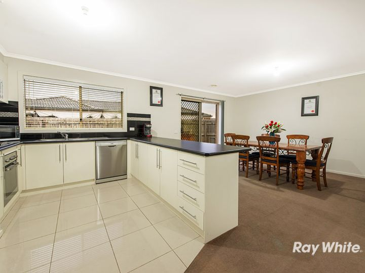 59 Taplan Crescent, Cranbourne West, VIC
