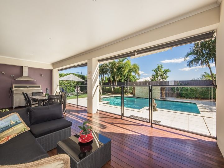 5 Zenith Crescent, Pacific Pines, QLD