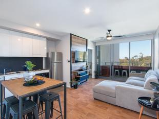 Low Maintenance Modern Living! - Charlestown