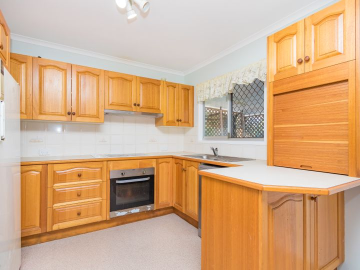61 Shakespeare Parade, Strathpine, QLD