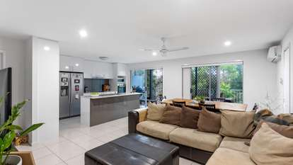 18/37 Witheren Circuit, Pacific Pines