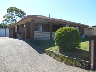 SPACIOUS THREE BEDROOM AIR CONDITIONED FAMILY HOME - MASSIVE OUTDOOR ENTERTAINMENT AREA- - Victoria Point