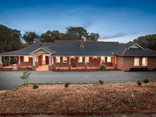 Traditional Style Contemporary Luxury - Yarrambat