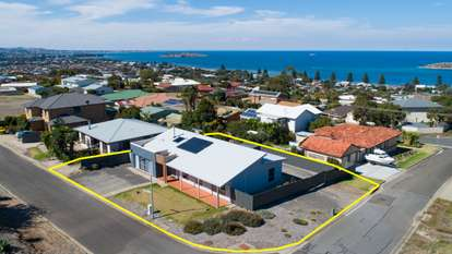 2 Olive Grove Road, Encounter Bay