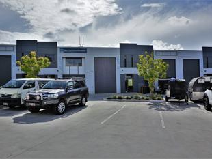 92m2* TINGALPA CENTRAL OFFICE / WAREHOUSE - Tingalpa