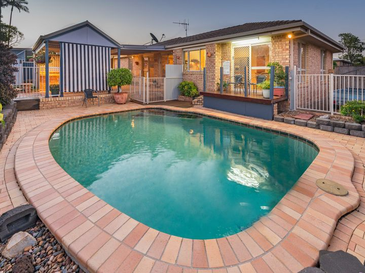 3 East West Avenue, Avoca, QLD