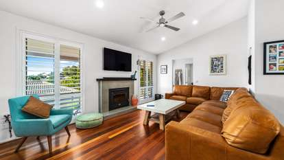 5 Yellowbox Close, Caves Beach