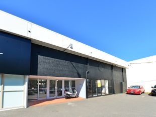 Showroom Opposite Sunshine Plaza - Maroochydore