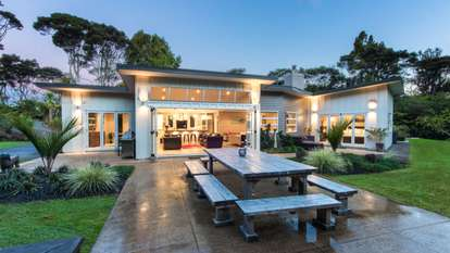 167 Stoney Creek Drive, Waitakere