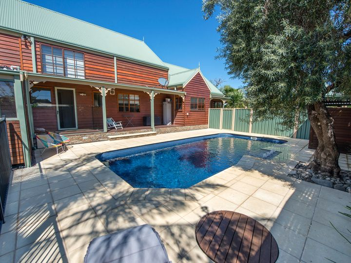 1A Wilkins Grove, Swan Hill, VIC