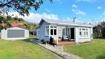 814 Abel Tasman Drive, Takaka