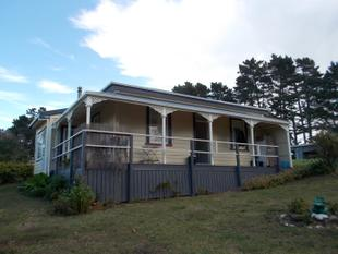 Character Home on a block of 1.7ha Land - Pukekohe West