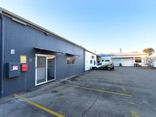 Industrial Unit With Office - Noosaville