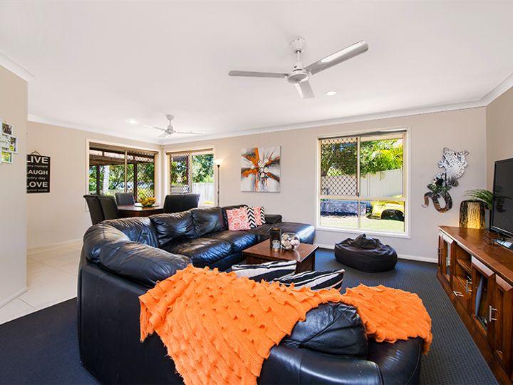 8 Balranald Court, Helensvale, QLD