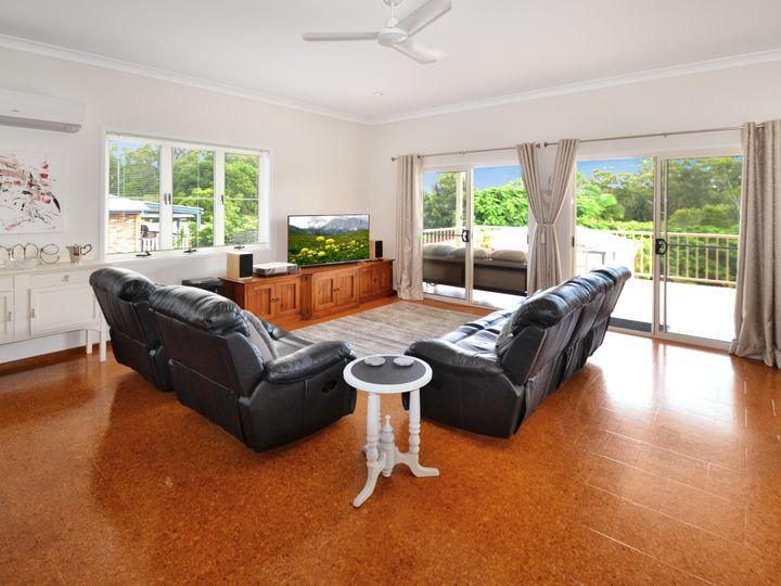 7 Jacaranda Close, Glass House Mountains, QLD